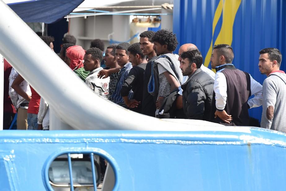 Au total quelque 1900 immigrés ont été sauvés... (PHOTO CARMELO IMBESI, ARCHIVES AP)