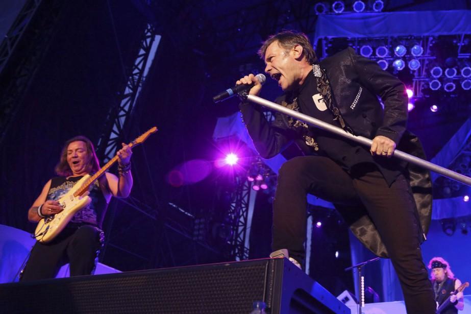 La formation Iron Maiden en concert... (ARCHIVES LA PRESSE CANADIENNE)