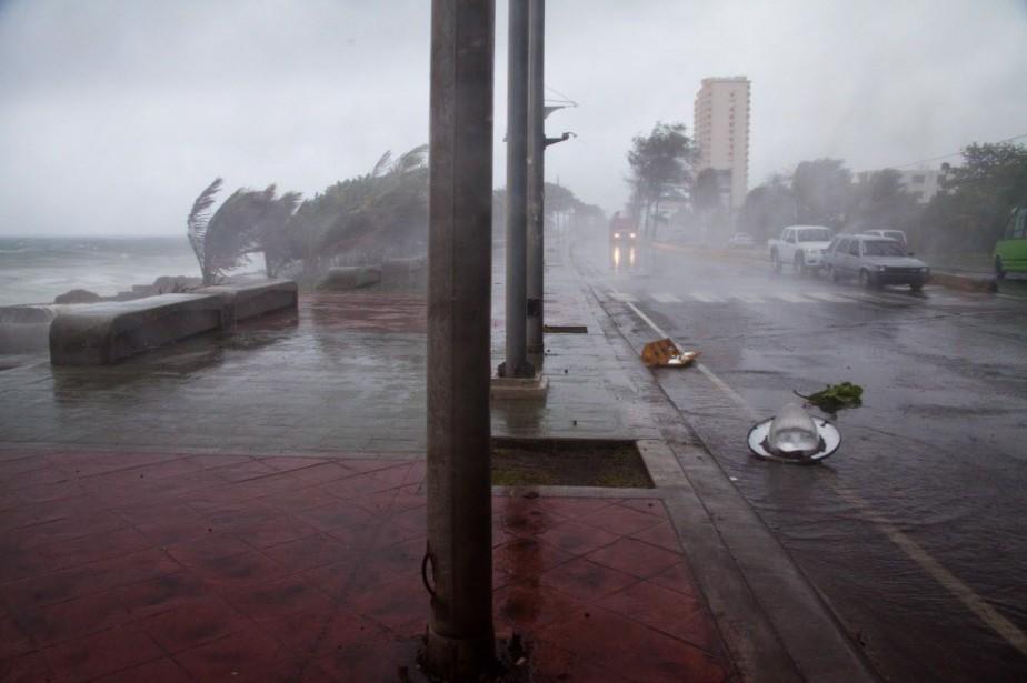 La tempête tropicale Erika, avec son... (Photo Tatiana Fernandez, AP)