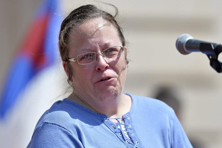 Kim Davis a cessé de délivrer des permis... (PHOTO AP)