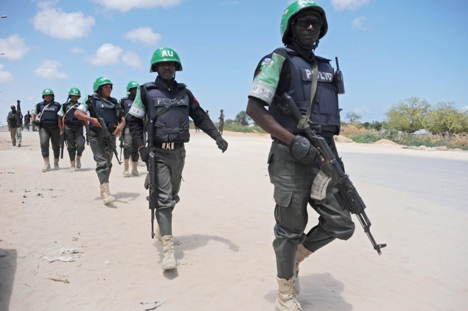 Des soldats de l'AMISOM patrouillent à Mogadiscio, le... (PHOTO MOHAMED ABDIWAHAB, ARCHIVES AFP)