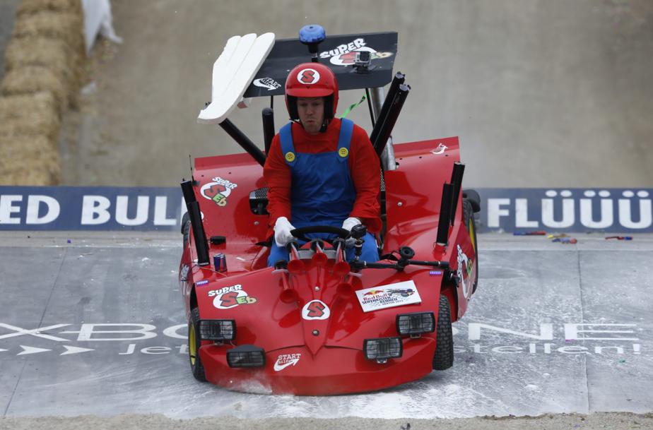 En juillet 2013, le champion de Formule 1 Sebastian Vettel a pris part à un événement similaire dans les rues de Heten, dans l'est de l'Allemagne. (Photo Wolfgang Rattay, Reuters)