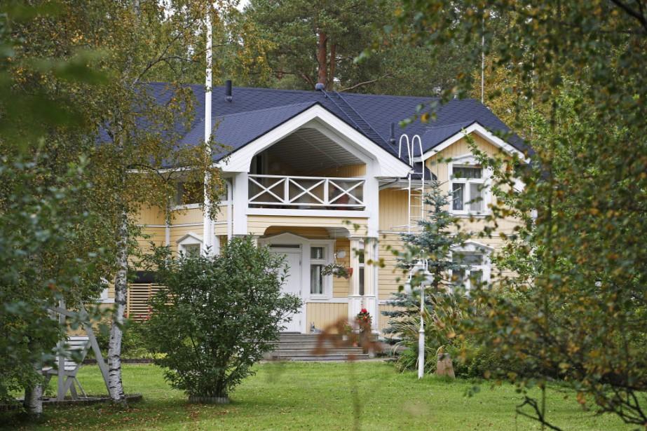 Laissant sa maison à disposition à partir de... (Photo Timo Heikkala/Lehtikuva, AP)