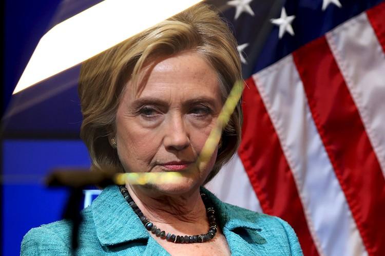 L'équipe Clinton a fait volte-face vraisemblablement face à... (PHOTO REUTERS)