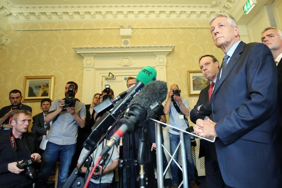 Le premier ministre d'Irlande du Nord, l'unioniste Peter... (PHOTO  PAUL FAITH, AFP)