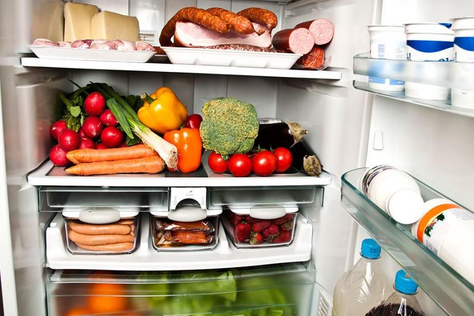 Les répondants estiment d'ailleurs que le gaspillage à... (Photo Masterfile)