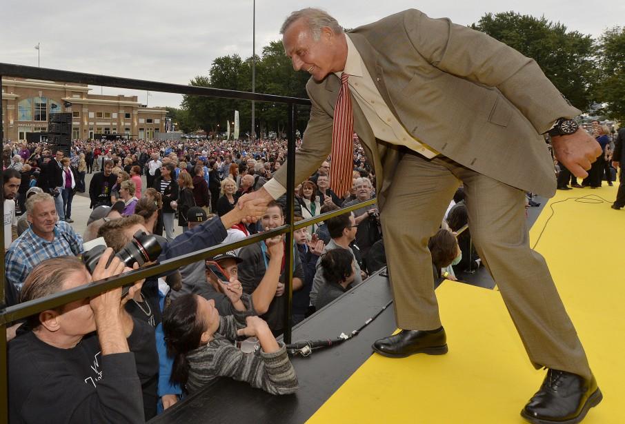 Guy Lafleur sur le tapis jaune (Le Soleil, Pascal Ratthé)