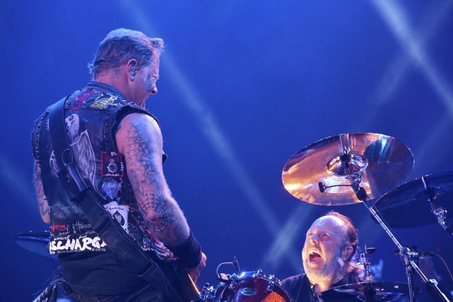 Metallica, les rois du metal - et les indéniables chouchous locaux - ont mis fin en bonne et due forme à la vie active du Colisée de Québec, lundi soir. | 15 septembre 2015