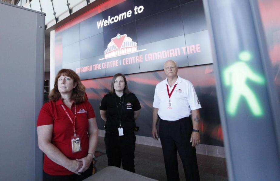 Les mesures de sécurité duCentre Canadian Tireont été resserées dans le cadre des travaux. (Simon Séguin-Bertrand, LeDroit)