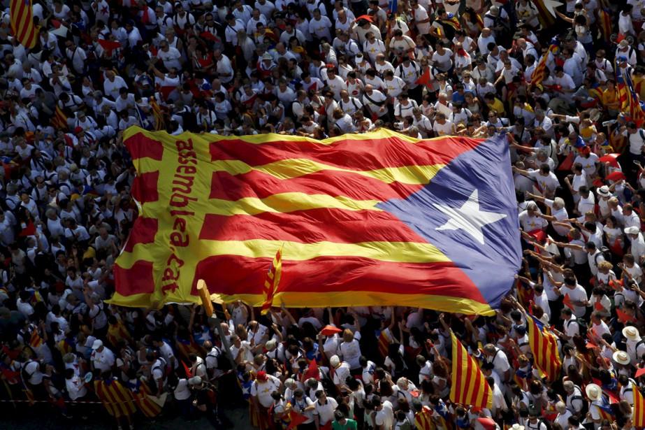 Vendredi, des centaines de milliers de personnes ont... (PHOTO ALBERT GEA, ARCHIVES REUTERS)
