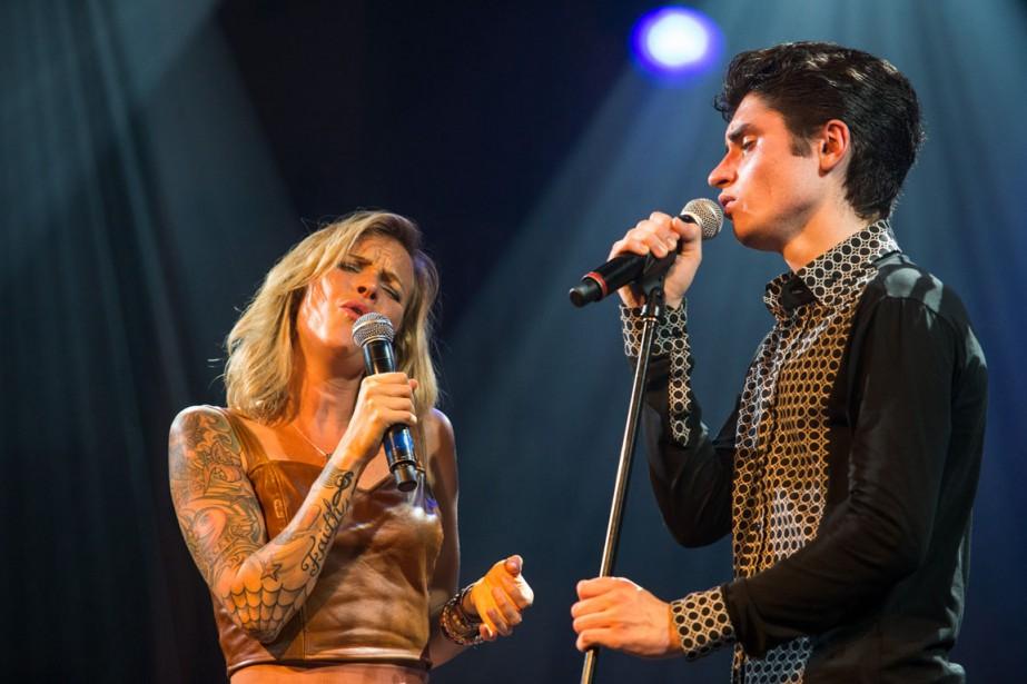 Brigitte Boisjoli et David Thibault ont uni leurs voix mercredi soir durant une chanson. (Photo: Olivier Croteau, Le Nouvelliste)