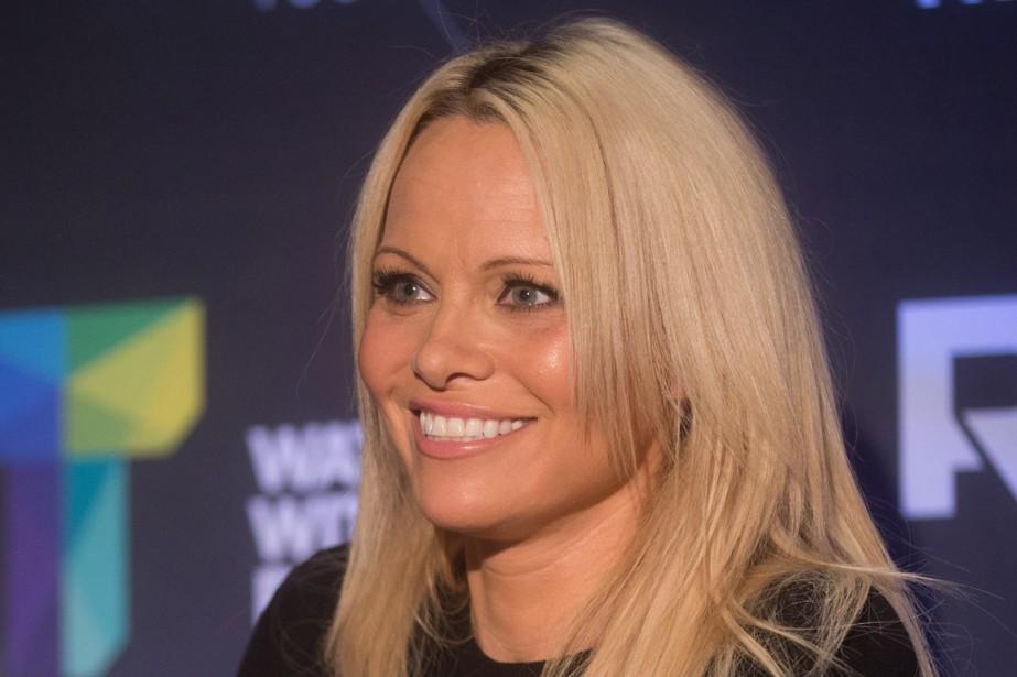 L'actrice Pamela Anderson était à Vancouver vendredi pour... (Photo Darryl Dyck, PC)