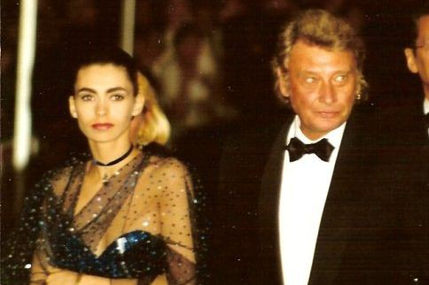 Adeline Blondieau etJohnny Hallyday en 1992... (PHOTO FOURNIE PAR WIKIPÉDIA)