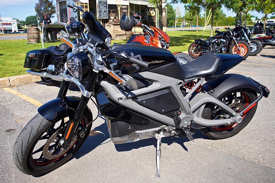 Malgré sa motorisation et son allure sportive, la LiveWire se veut une Harley-Davidson pur jus. (Photo André Pichette, La Presse)