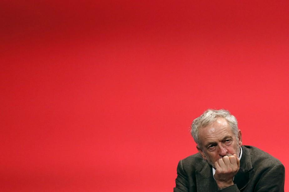 Le nouveau dirigeant du Labour Jeremy Corbyn.... (Photo Luke MacGregor, Reuters)