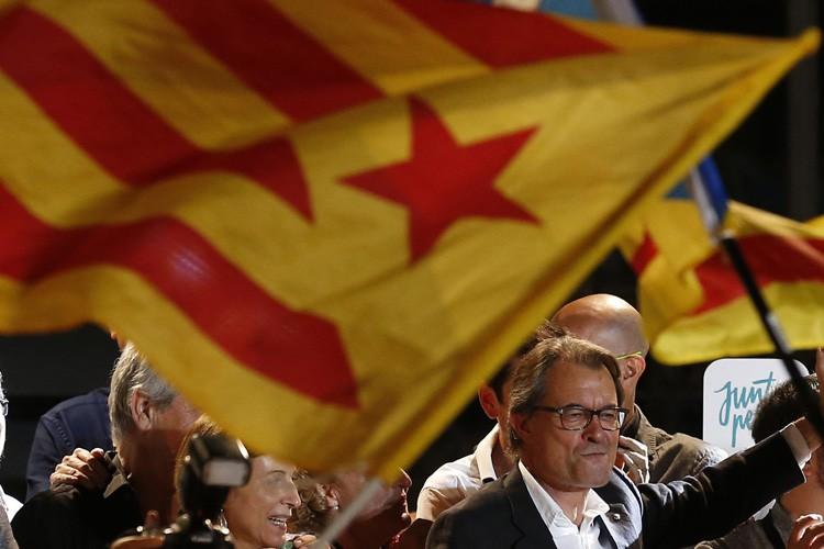 Artur Mas (ci-dessus), le président régional sortant, et... (PHOTO AP)