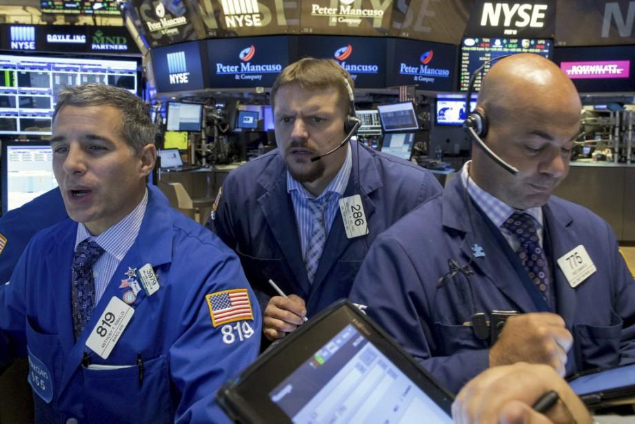 «Pour la dernière séance du trimestre, la Bourse... (PHOTO BRENDAN MCDERMID, REUTERS)