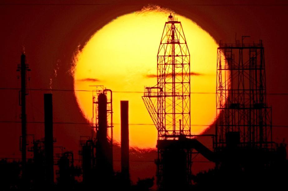 Les cours du pétrole ont fini la journée de mercredi sans... (Photo archives AP)