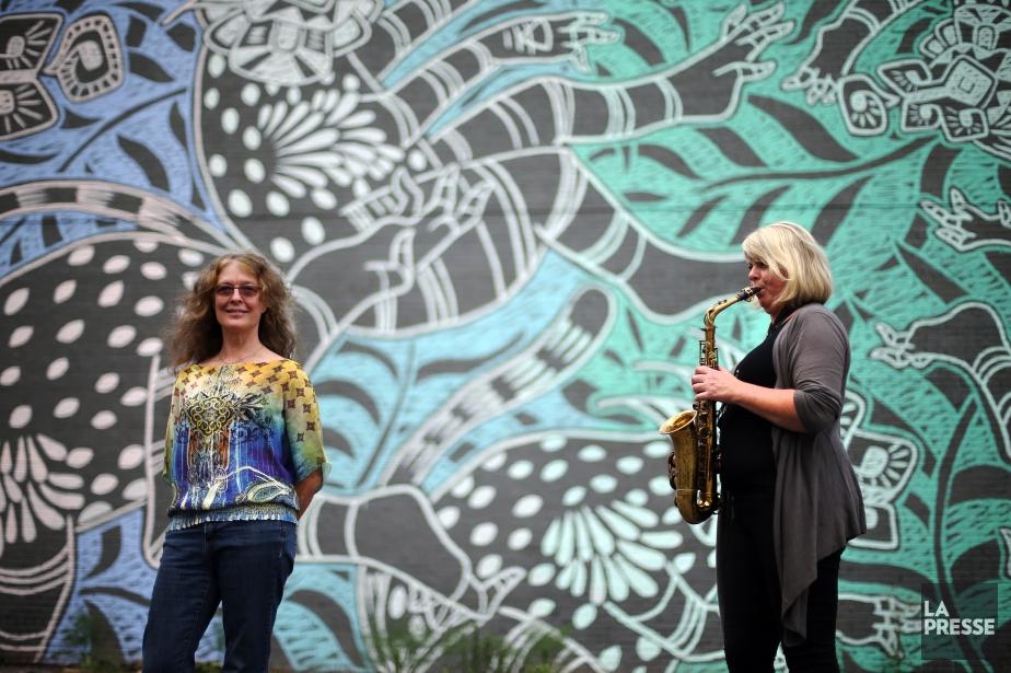 Les jazzwomen Karen Young et Christine Jensen... (PHOTO MARTIN CHAMBERLAND, LA PRESSE)