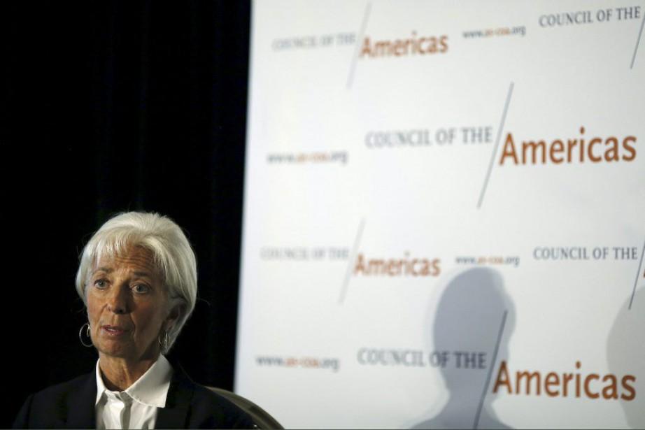 «La perspective d'une hausse des taux d'intérêt aux... (PHOTO CARLOS BARRIA, REUTERS)