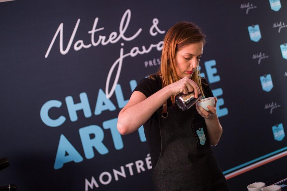 Julie Audet travaille au café Saint-Henri micro-torréfacteur, au... (Photo fournie par le Challenge art latte)