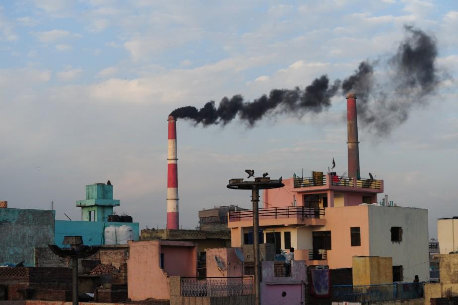 L'Inde demeure fortement dépendante du charbon, avec lequel... (PHOTO MONEY SHARMA, ARCHIVES ASSOCIATED PRESS)