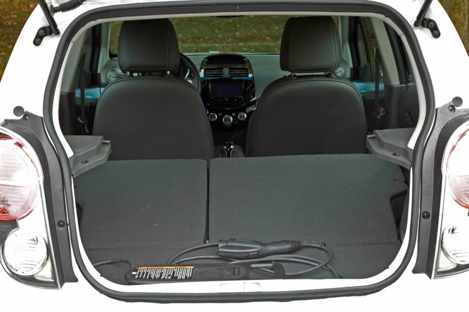 Le coffre de la Chevrolet Spark EV (Photo Éric LeFrançois, collaboration spéciale)