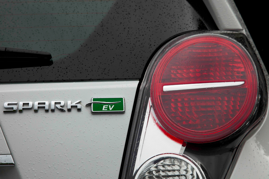 Le logo de la Chevrolet Spark EV (Photo Éric LeFrançois, collaboration spéciale)