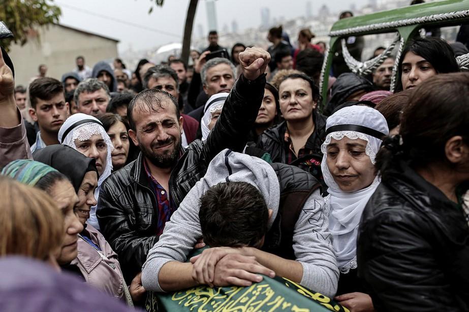 Il était 10h04 locales (07h04 GMT) samedi, lorsque... (PHOTO YASIN AKGUL, AFP)