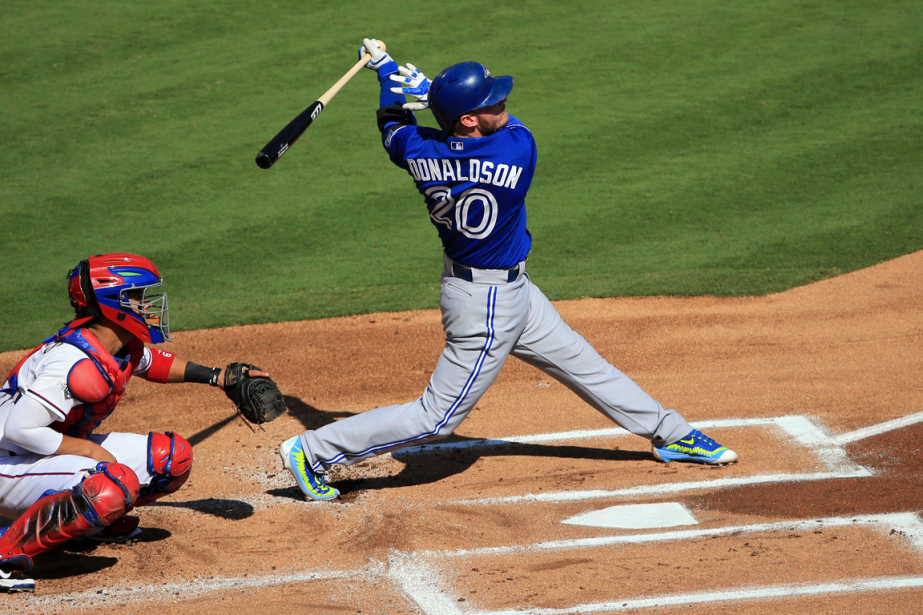 Josh Donaldson a claqué un circuit de deux... (Photo Kevin Jairaj, USA Today)