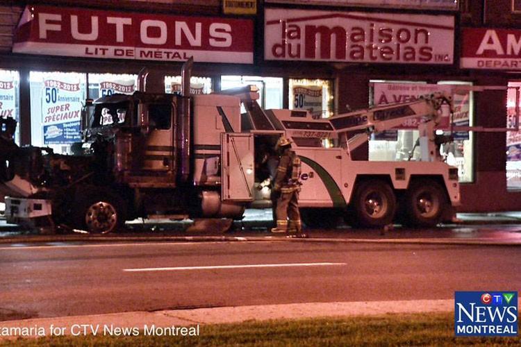 Un caméraman du réseau CTV a capté des... (PHOTO TIRÉE DE TWITTER, CTV NEWS)