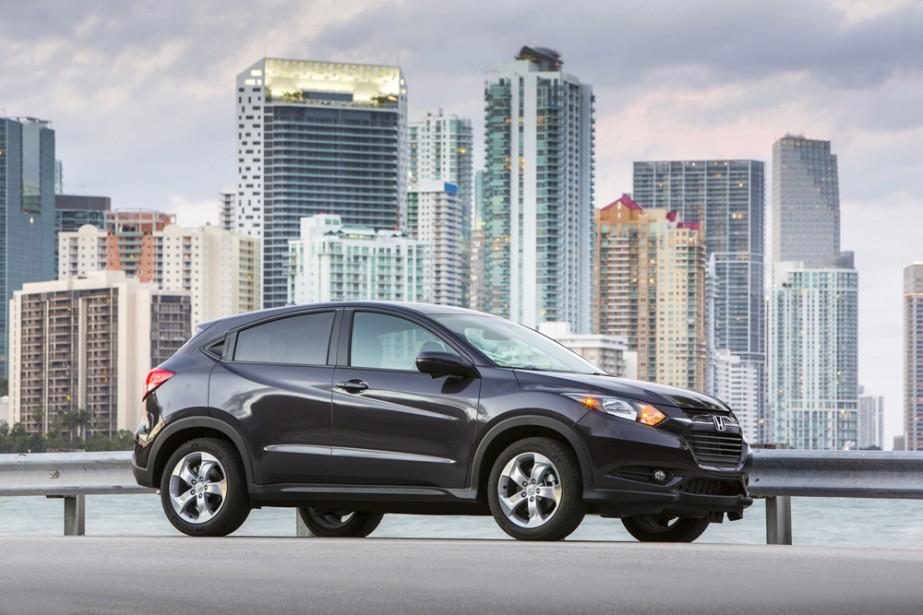 <strong>Honda HR-V — À partir de 20 690 $</strong> Ce petit nouveau dans le jeune segment des VUS sous-compacts combine le côté pratique de la Fit et les avantages d'une traction intégrale. Il s'immisce entre cette dernière et le VUS CR-V. (Photo fournie par Honda)