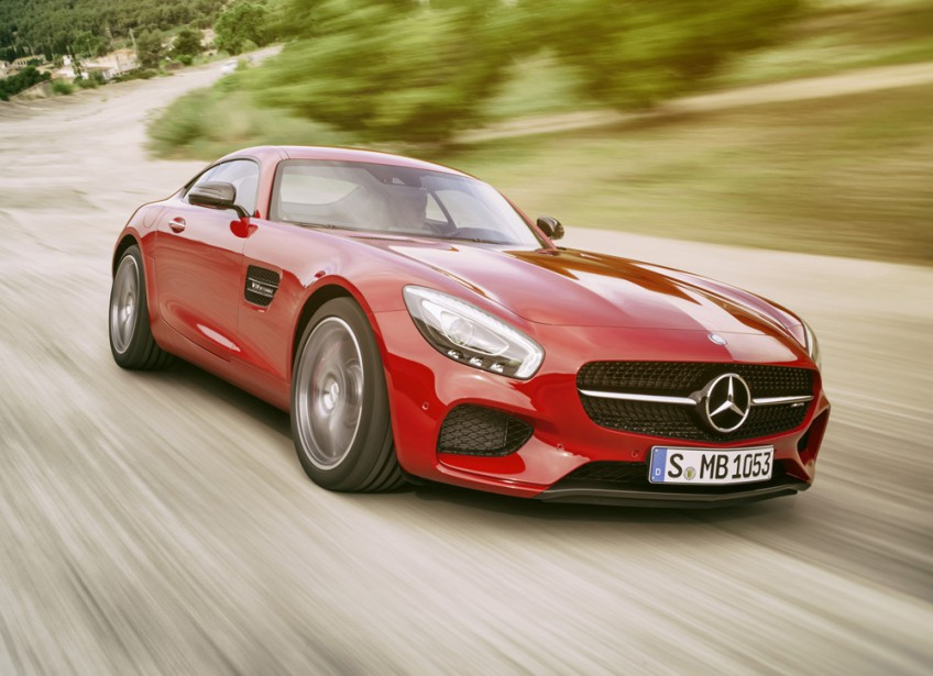 <strong>Mercedes-AMG GT — À partir de 149 900 $</strong> Un modèle d'entrée dans le club des voitures exotiques. Elle tire ses origines de la défunte SLS, retirée du catalogue de Mercedes-Benz cette année. (Photo fournie par Mercedes)