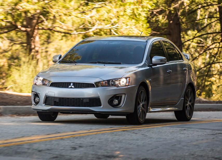<strong>Mitsubishi Lancer — À partir de 14 998 $ (49 498 $ pour l'Evolution)</strong> Mitsubishi raffine un peu les lignes de sa Lancer, modèle revisité la dernière fois en 2008. Cette année, il s'agit de «l'Édition Finale» de la Lancer Evolution. (Photo fournie par Mitsubishi)