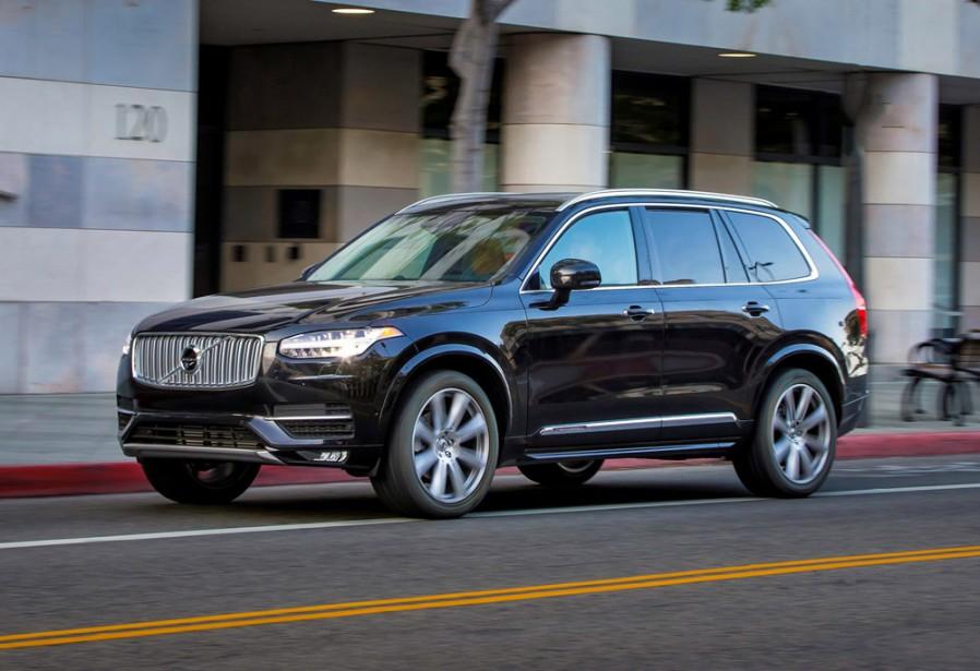 <strong>Volvo XC90 — À partir de 60 700 $</strong> L'acquisition de Volvo par le chinois Geely a apporté beaucoup d'investissement dans la recherche. Ce XC90 en est un des résultats. (Photo fournie par Volvo)