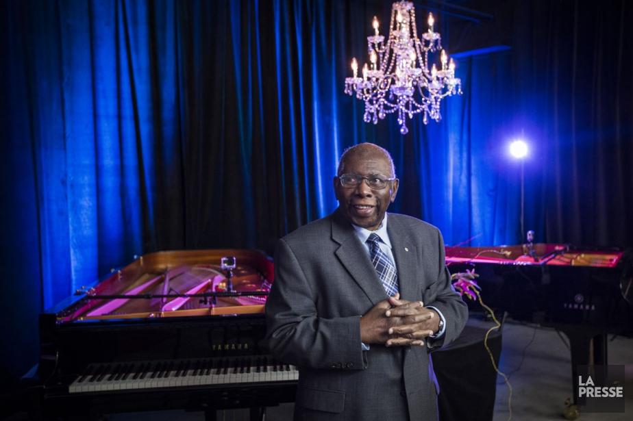 Le pianiste Oliver Jones a assisté hier au... (PHOTO OLIVIER PONTBRIAND, LA PRESSE)