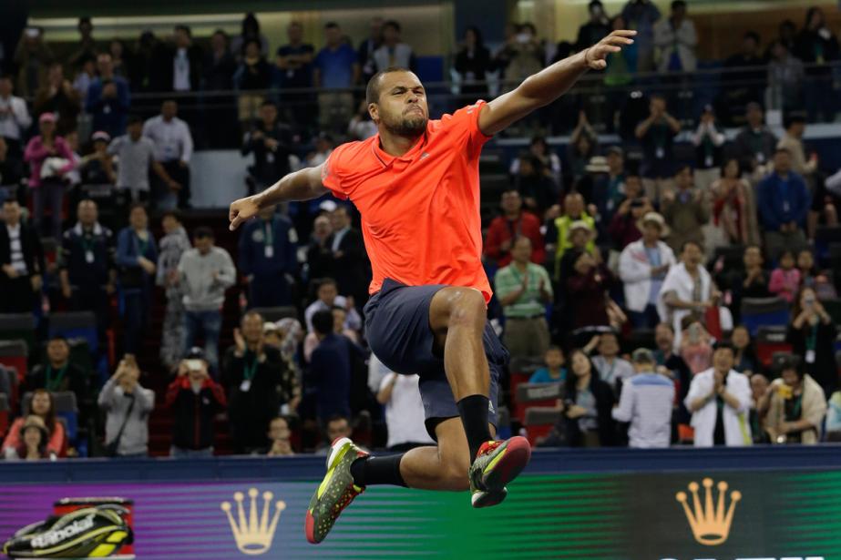 Jo-Wilfried Tsonga a battu Rafael Nadal en demi-finale... (Photo Andy Wong, AP)