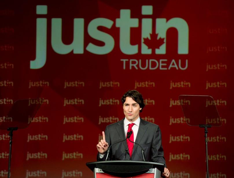 Avril 2013 Près de 30 ans après le départ de son père à la tête du Parti libéral du Canada, Justin Trudeau en prend les rênes. Sa victoire ne surprend pas alors que dans les semaines précédant le vote, les appuis se multiplient. Un seul tour de scrutin est nécessaire pour officialiser le successeur à Michael Ignatieff. (Photothèque Le Soleil)