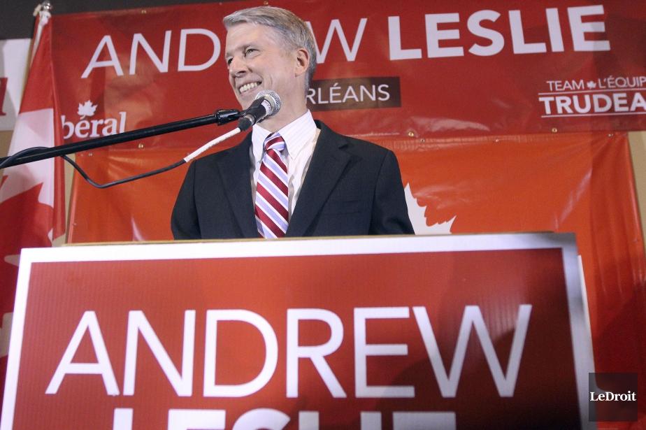 Le libéral Andrew Leslie a été élu dans Orléans, mettant fin au règne du conservateur Royal Galipeau, qui représentait la circonscription depuis 2006. (Etienne Ranger, LeDroit)