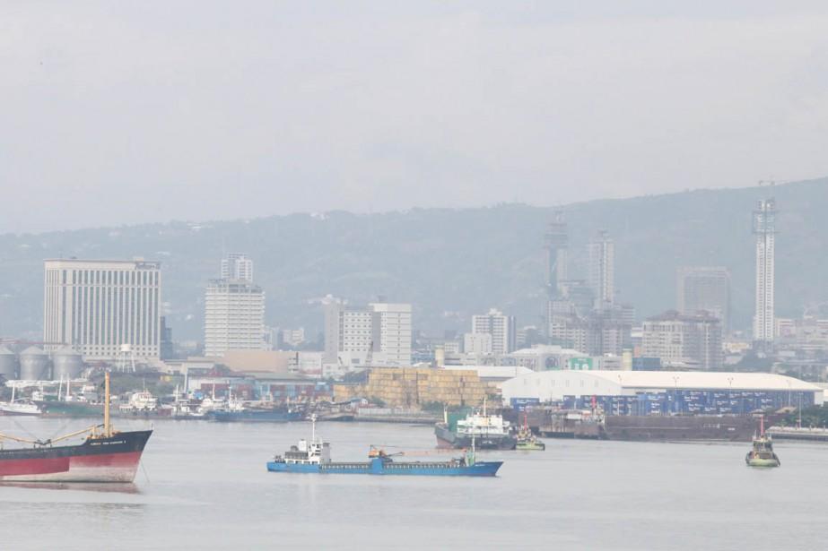 Vue de Cebu, depuis le port de la... (PHOTO CHERYL BALDICANTOS, ARCHIVES AFP)