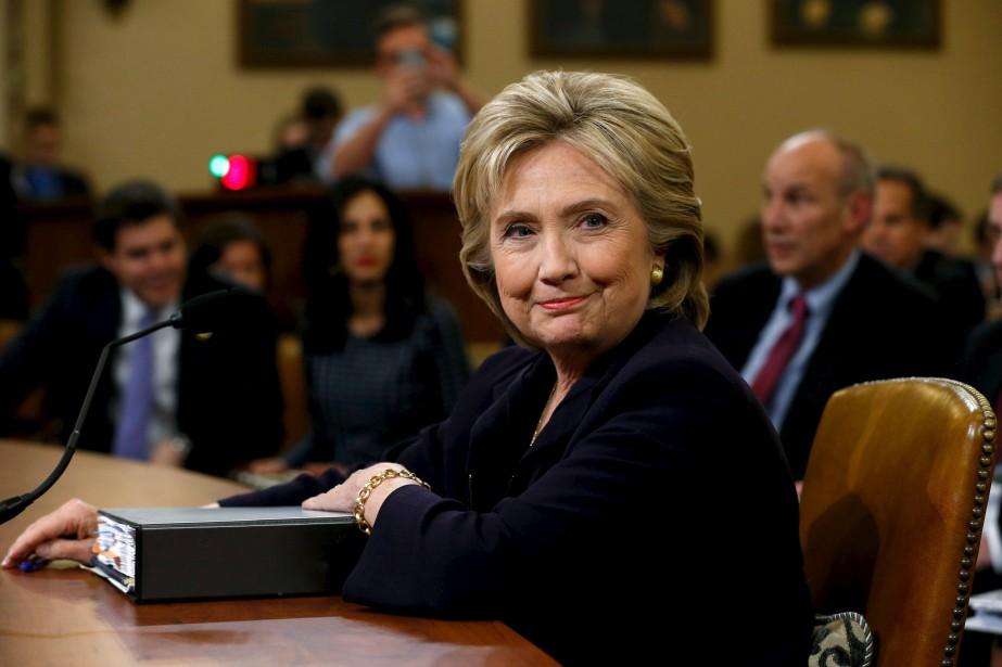 Hillary Clinton, face à sept républicains et cinq... (PHOTO JONATHAN ERNST, REUTERS)