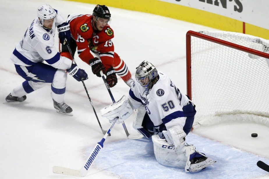 Jonathan Toews a marqué son premier but de la... (Photo Andrew A. Nelles, AP)