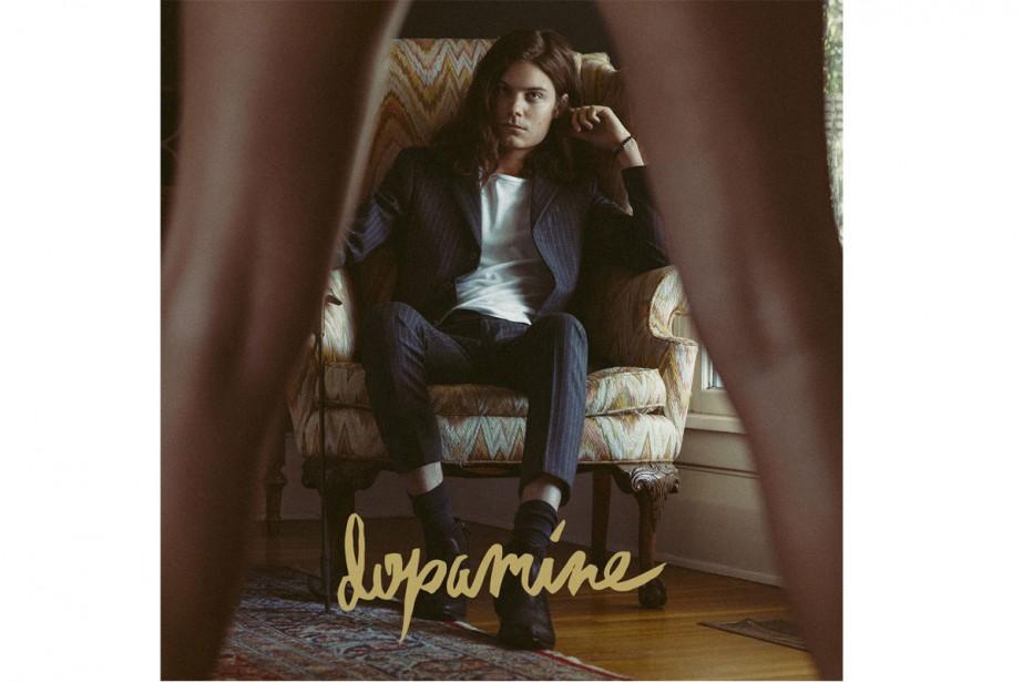 Dans un style musical complètement différent, BØRNS incarne comme Lana Del Rey...