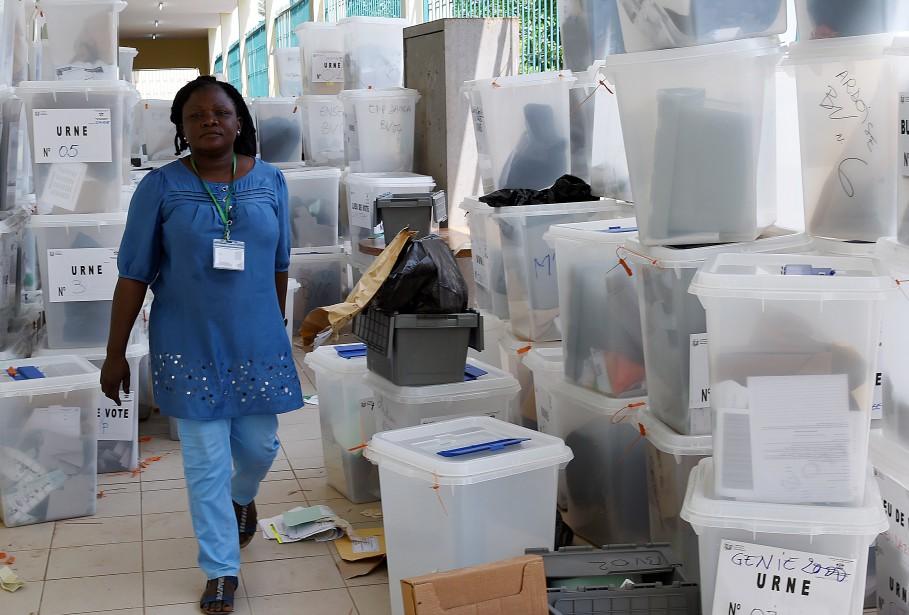 L'élection, qui s'est déroulée sans incident majeur, a... (PHOTO SIA KAMBOU, AGENCE FRANCE-PRESSE)