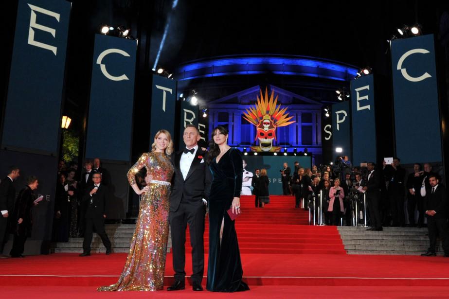 Léa Seydoux, Daniel Craig et Monica Bellucci à... (PHOTO AFP)