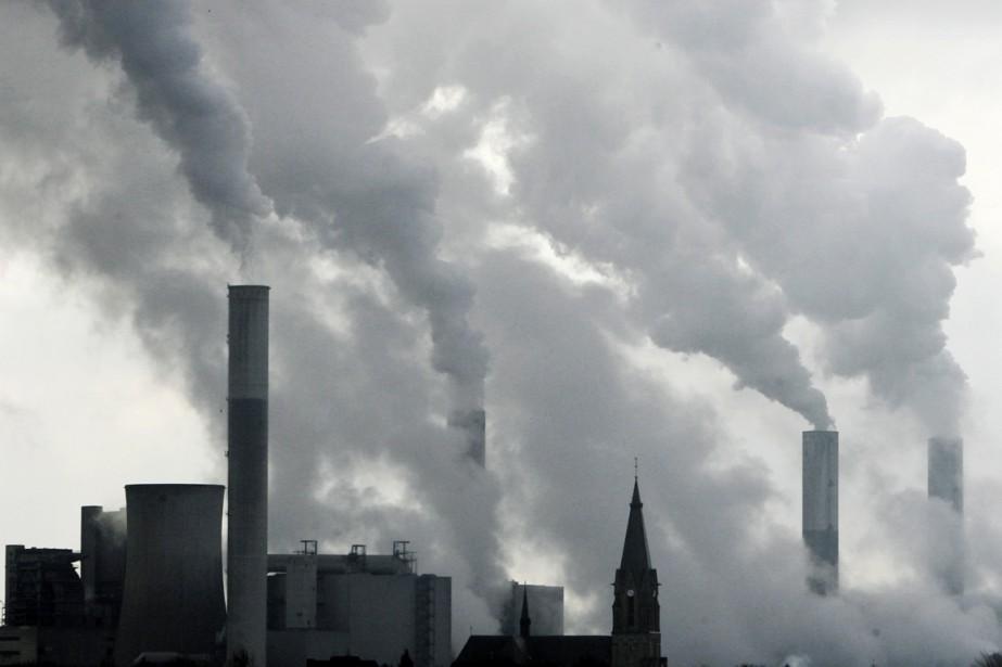 Mais l'ONU prévient que «des réductions d'émissions de... (PHOTO FRANK AUGSTEIN, ARCHIVES AP)
