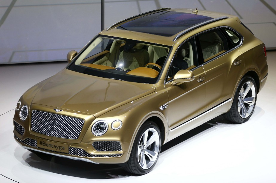 Le Bentley Bentayga a été dévoilé au salon... (PHOTO ARCHIVES REUTERS)