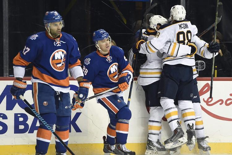 Sam Reinhart a rompu l'égalité avec 6:16 à jouer pour aider les... (PHOTO AP)