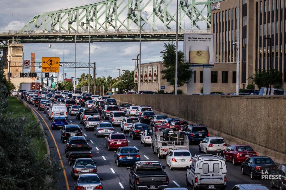 Leministre des Transports, Robert Poëti, rejette l'idée de... (PHOTO OLIVIER PONTBRIAND, ARCHIVES LA PRESSE)