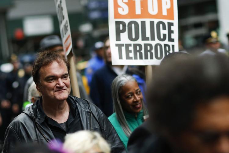Quentin Tarantino persiste et signe relativement à ses... (PHOTO AFP)